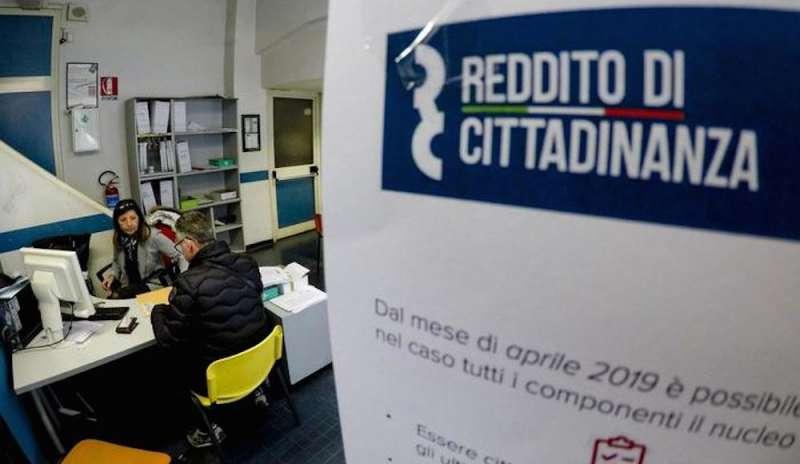 Reddito di cittadinanza, al via la fase due. Di Bari: Beneficiari convocati dai centri per l'impiego