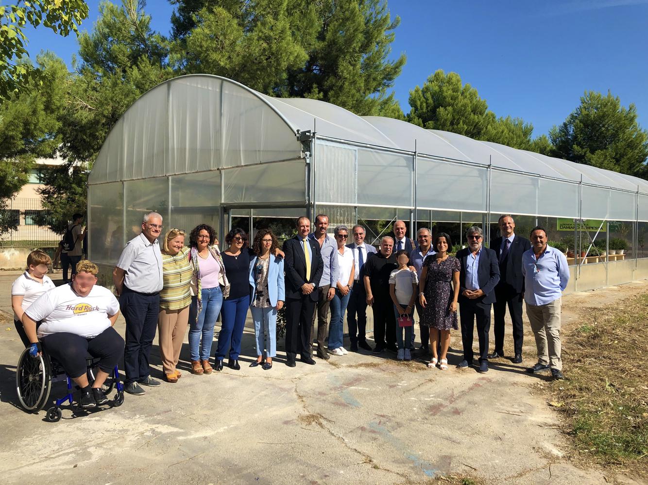 FacciamoScuola. Bitonto (BA), inaugurata la serra didattica finanziata grazie al taglio stipendi dei consiglieri del M5S.