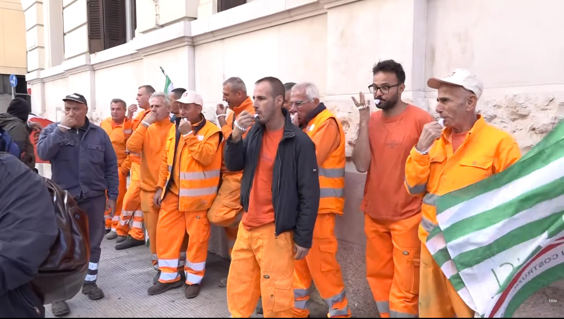 """Lavoratori della F.D Costruzioni senza stipendio da mesi. Laricchia (M5S): """"AqP adotti linea dura come in passato"""""""
