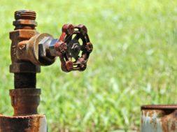 rubinetto-irrigazione-consorzio-Bonifica-696×463