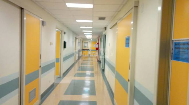 """Ospedale del Nord Barese. Conca (M5S): """"Non esiste lo studio di fattibilità. Emiliano mi quereli, ma è solo campagna elettorale"""""""