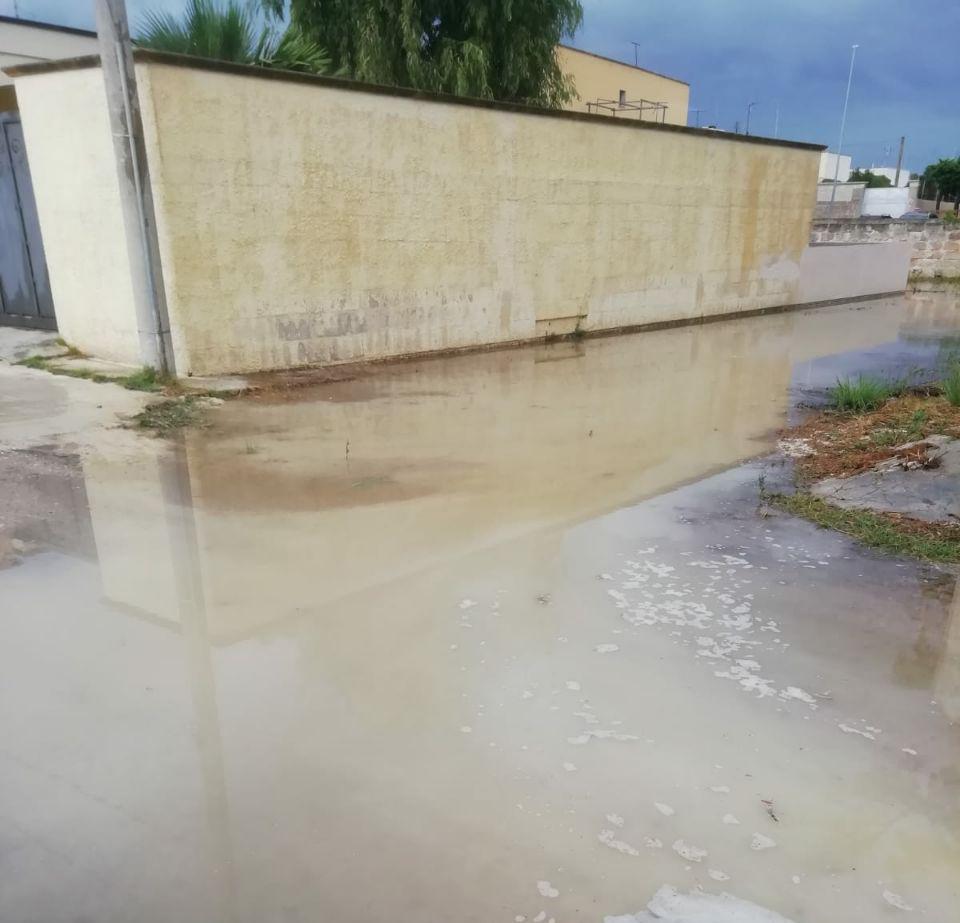"""Lecce e marine: allagamenti ad ogni temporale. M5S: """"Strade che diventano piscine, ma l'amministrazione pensa alle elezioni"""""""